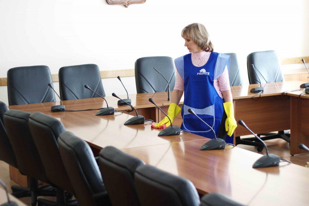 Higienização cadeiras escritório